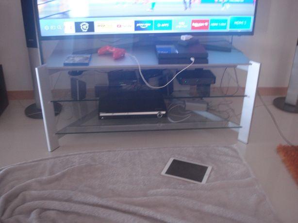 Vendo um móvel em inox para tv com estantes em vidro.