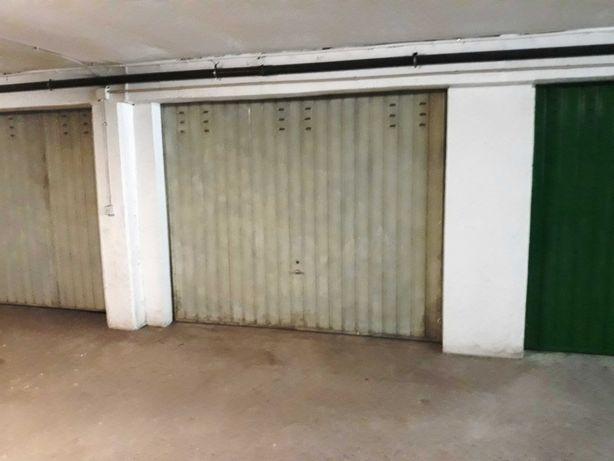 Arrenda-se garagem Coimbra (Rua do Brasil
