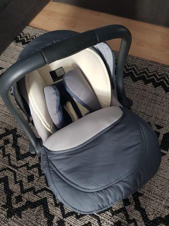 Fotelik samochodowy / Nosidełko / 0-10 kg.