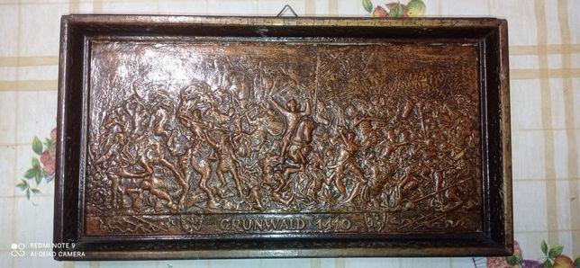 Płaskorzeżba w drewnie Grunwald 1410r. oraz inne dekoracje