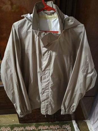Продам дождевик-куртку унисекс. Размер 56-58 400 рублей