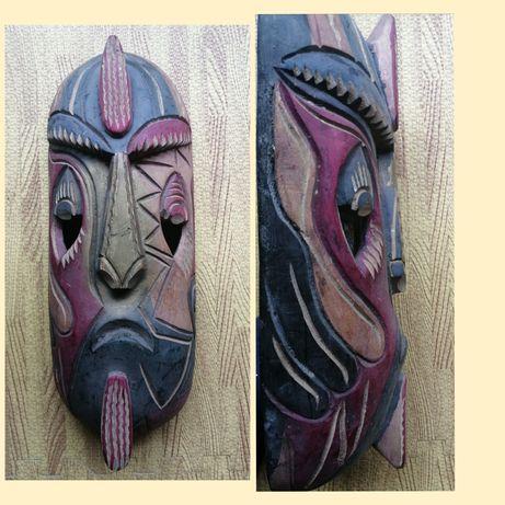 Máscara africana 45cm em madeira/Angola
