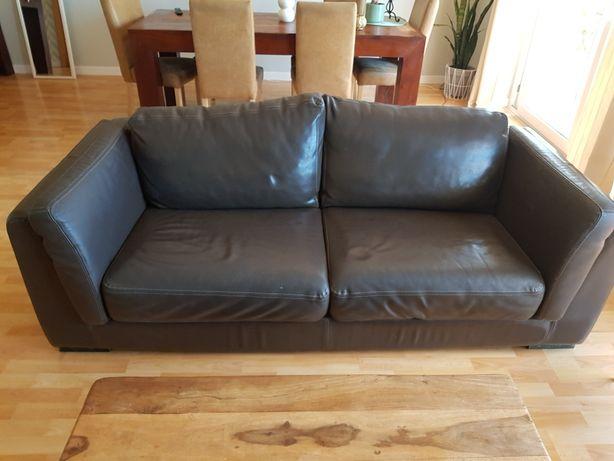 Sofa em pele castanha de 3 lugares