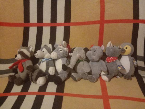 Киндеры kinder мягкие игрушки каждая из них по 50 грн