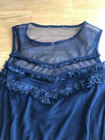 Blusa preta com parte transparente