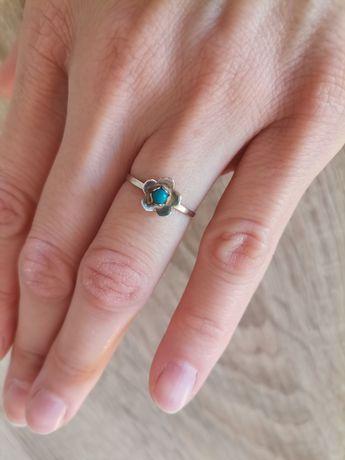 Stary srebrny pierścionek szarotka turkusowe oczko rozmiar 10