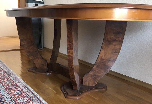 Продам стол.