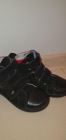 Buty firmy Bartek rozmiar 27