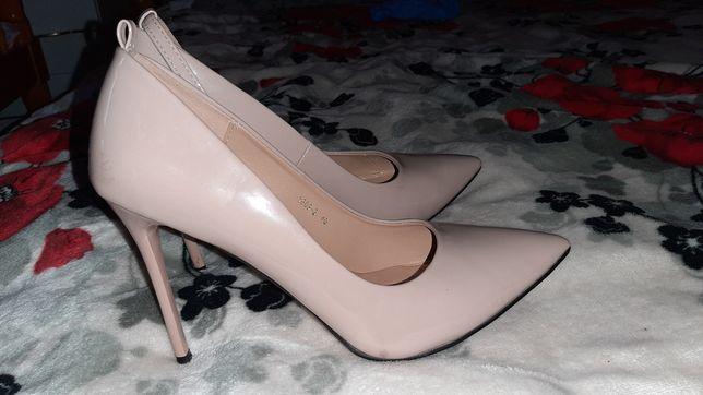 Туфлі жіночі 40 р