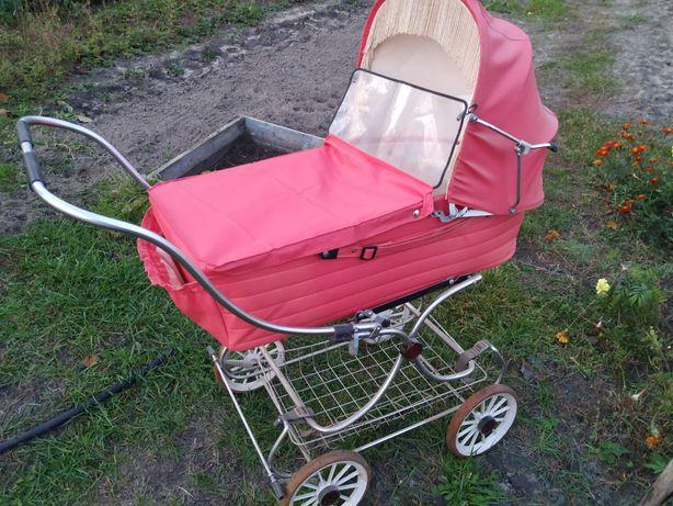 Дитяча коляска СССР