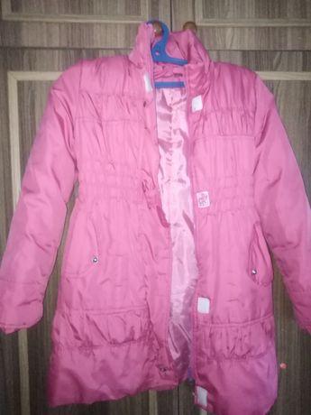 Продам розовую курточку