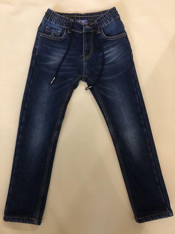 Теплые джинсы на мальчика 7-8 лет