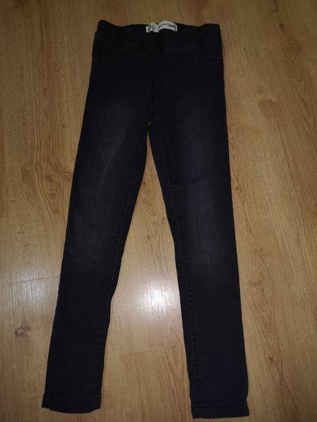 Ciemno szare gumowane spodnie 140