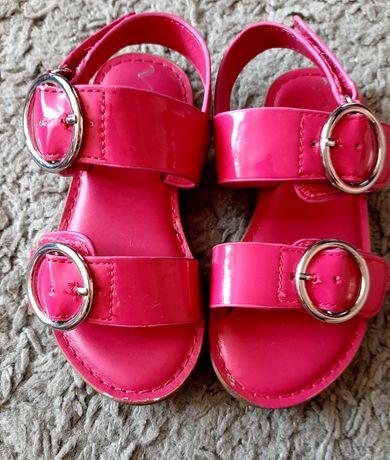 Sandałki na dziewczynkę