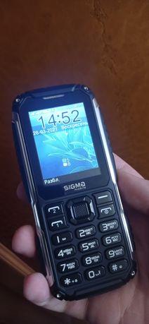 Противоударный телефон Sigma на две сим-карты