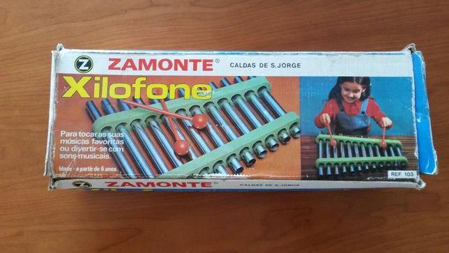 Brinquedo antigo nacional Xilofone