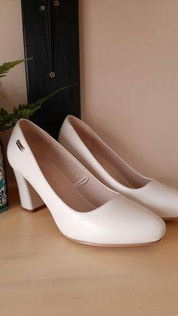 Czółenka, buty na obcasie Sergio Leone