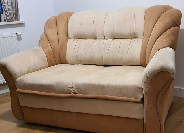 Dwuosobowa, rozkładana kanapa