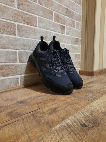 Кроссовки м Regatta р 43 (29 см) ц 1600 гр ,оригинал,новые,waterproof