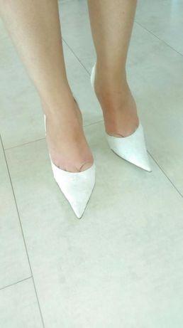 Koronkowe buty ecru LUX 35
