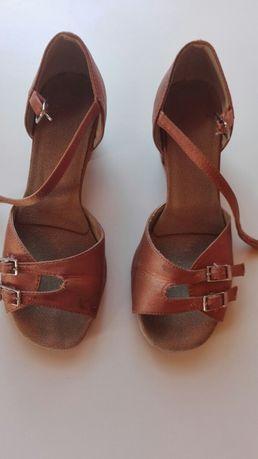 Buty do tańca długość wkładki 20 cm