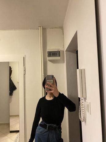 Ciepła czarna bluza