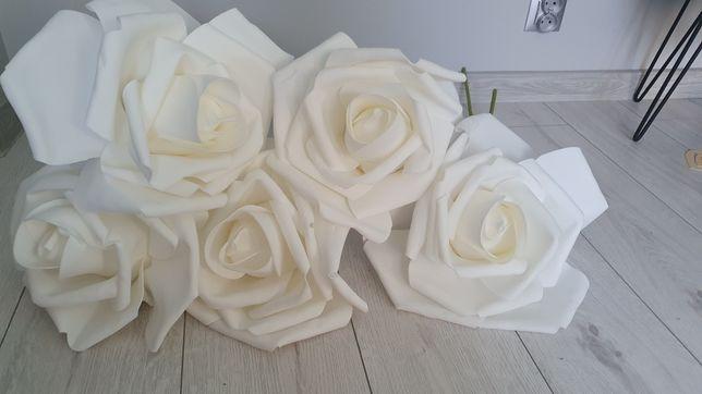 Sztuczne białe róże