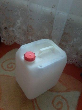 Продам пластиковые канистры пищевые,ёмкость-10 литров.