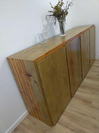 Móvel aparador de madeira maciça de pinho tratado