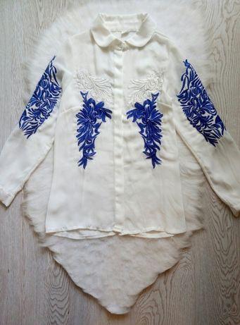 белая рубашка блуза с цветочной вышивкой белой синей вышиванка шифон