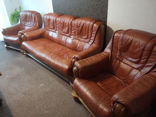 Sprzedam,skóra naturalna. Komplet -kanapa rozkładana + dwa fotele