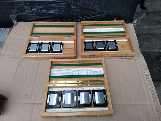 Wzorce chropowatości DDR niemieckie retro - drewniane pudełko - 3 kpl