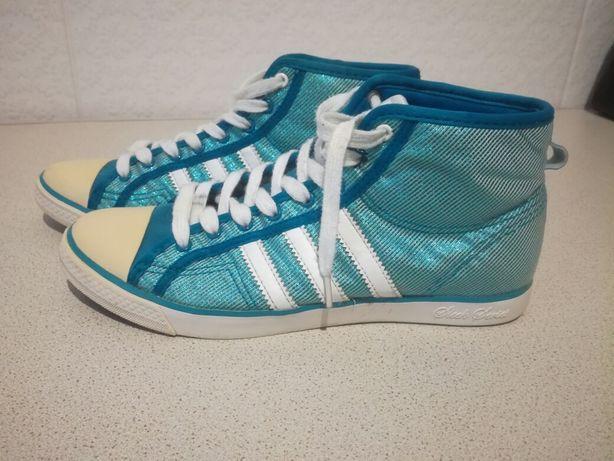 Чудові фірмові кеди , кросівки 36 р. Adidas