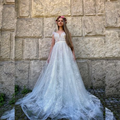 Tanio!Wyjątkowa suknia ślubna z piurkami