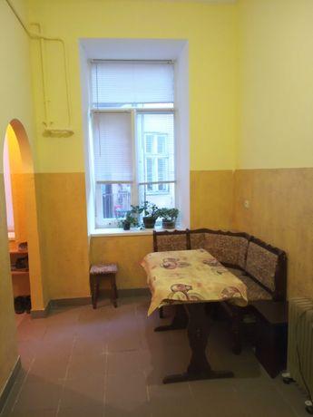 Двокімнатна квартира з подвійними вигодами в Центрі