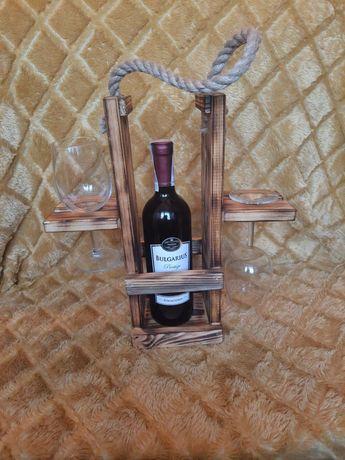 Stojak na wino i kieliszki