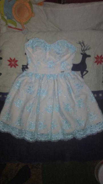 Sukienka koronka błękitna