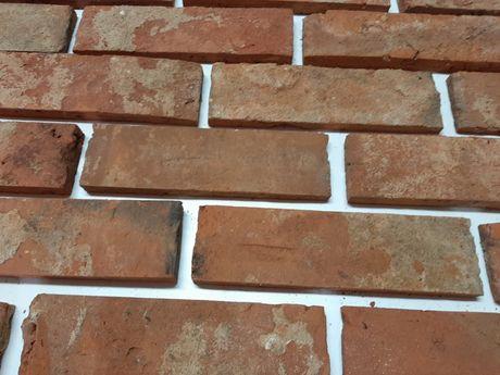 Lico ze  starej cegły kalibrowane