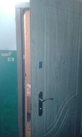 Двери металлические входные,сварочные работы,врезка замков,реставрация