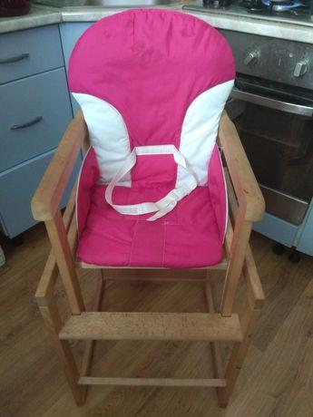 Продам очень удобный стульчик для кормления.