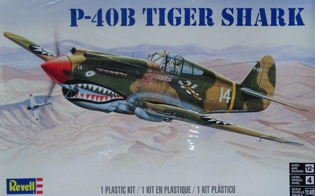 * REVELL - 1:48 * P-40B Tiger Shark