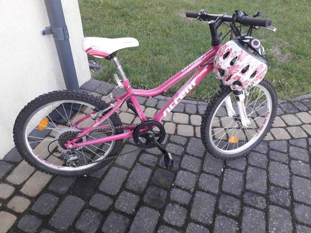 Sprzedam prawie nieużywany rower z kaskiem