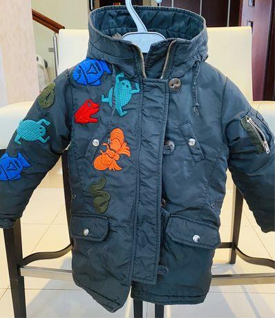 Курточка демисезонная от Departament five, на девочку от 4 до 6 лет.