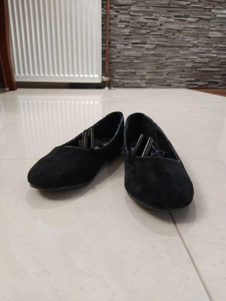 Czarne półbuty dla dziewczynki rozmiar 32