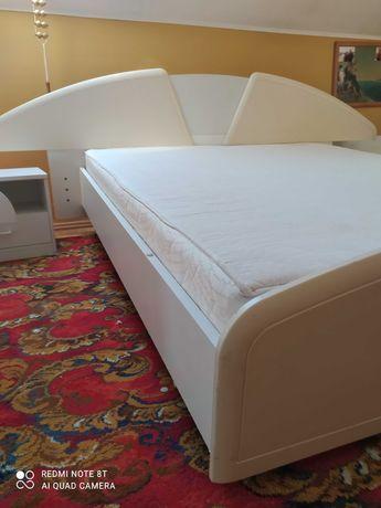 Duże łóżko 160x200 cm