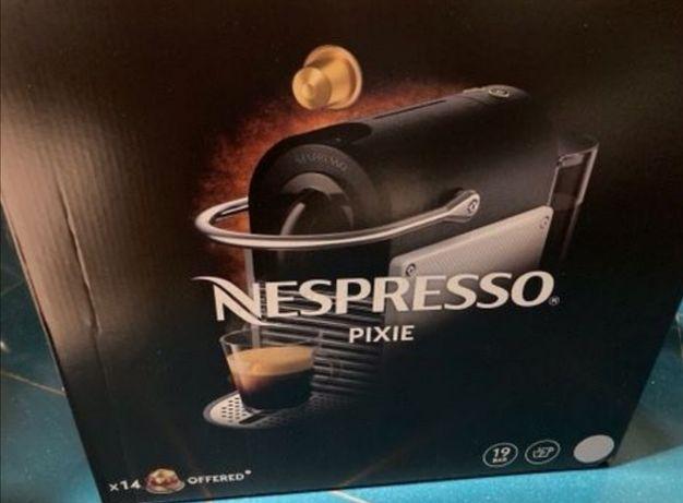 Máquina de café Nespresso mod Pixie