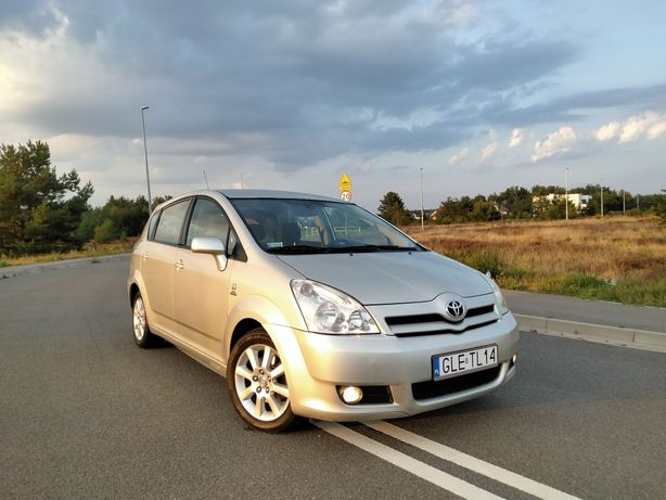 Toyota Corolla Verso E12 2.0 D4D Diesel 116 KM !Warta Uwagi! Prywatna