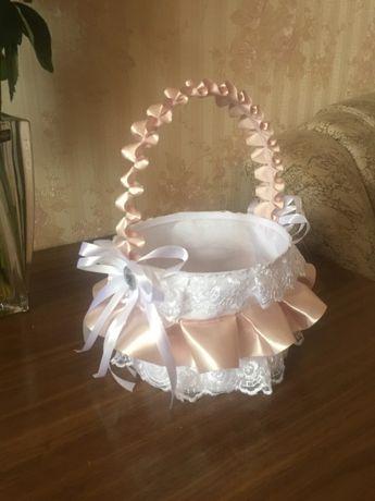 Свадебная корзинка для лепестков цветов