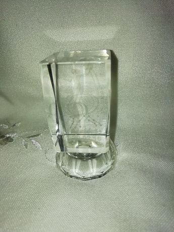 Pisa papéis em cristal