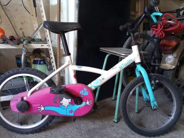 Vendo bicicleta btwin de criança